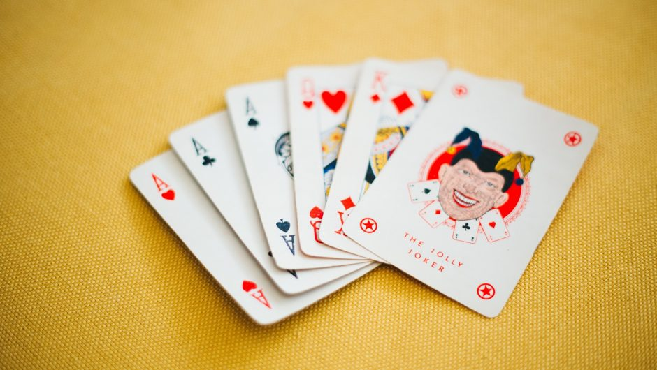 Tips And Strategy To Play Poker Online In An Appropriate Manner