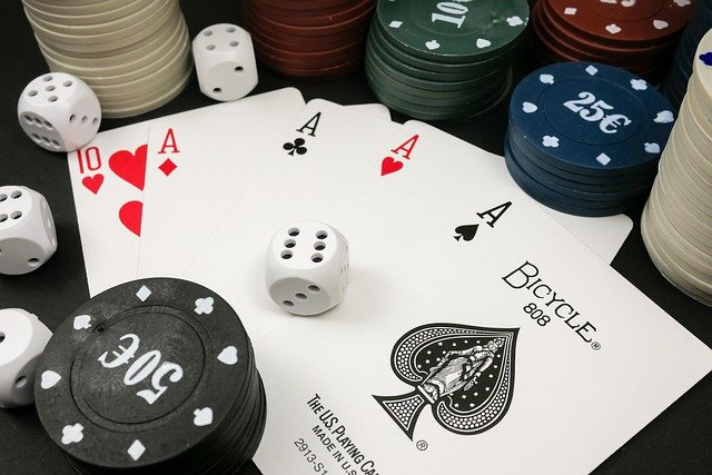 Unveil The Traits And Specifications Regarding Considering Online Casino Applications!