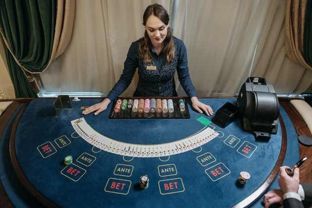 Online Casinos – Many Games Available By Them