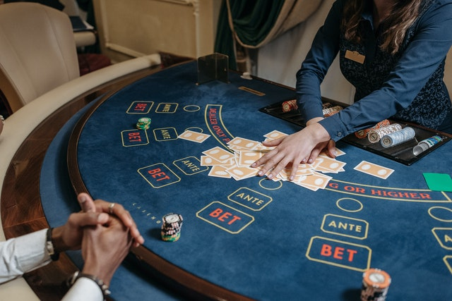 Online Gambling: What kind of elements does it contain?